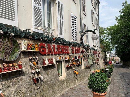 Art Gallery in  Montmartre