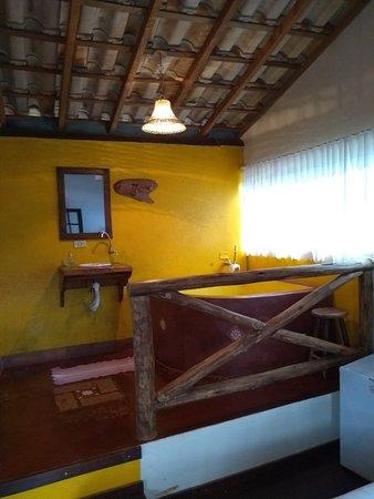 Pousada Recanto da Siriema: Chalé Cachoeira