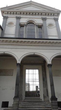 Vercelli, Italie : La facciata ad arcate