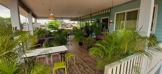 That Phanom, Tajlandia: Sehr schöne Dachterrasse