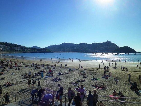 San Sebastian, Spanien: La Concha et le mont Urgull Saint Sebastien Espagne