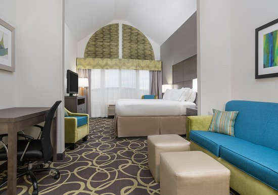 Holiday Inn Express Ames: Suite