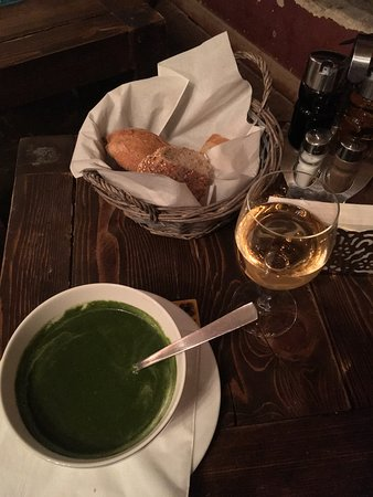Purpur: Суп из шпината с орехами
