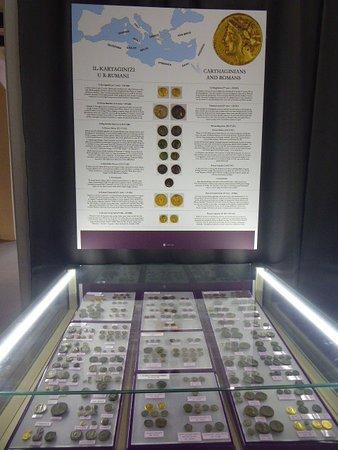 National Museum of Archaeology: Cartoline da La Valletta, Malta