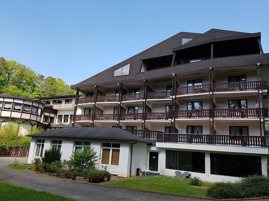 Hotel Waldhaus Eifel: Achterzijde hotel