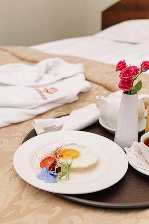Londonskaya Hotel: Room Service