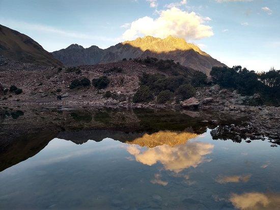 Inka Power: Laguna de Humantay !! (pôr no sol na montanha é lindo!)