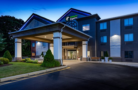 Holiday Inn Express Newport North Middletown