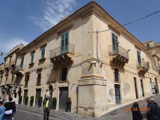 Palazzo Deodato - Burgio - Di Lorenzo