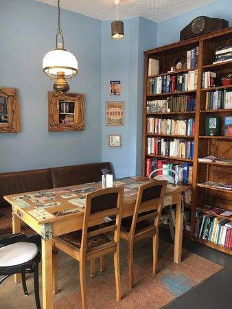 Bücherecke - hier warten einige literarische Schätze