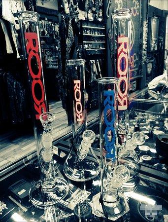Bon Roor Pure Smoking Kulture. Il top quality glass a prezzi da listino! Vieni a vedere se non ci credi..