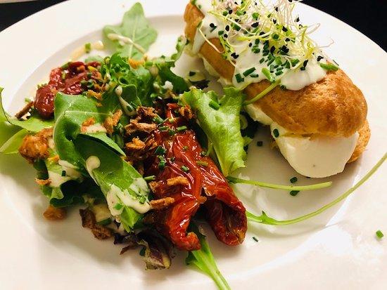 Chez l'Oncle Jules: Eclair au chèvre et Mascarpone tomates confites