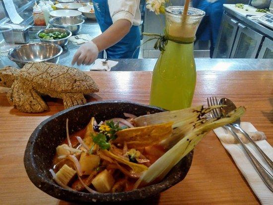 Ceviche Seafood Kitchen: Ceviche caliente!!