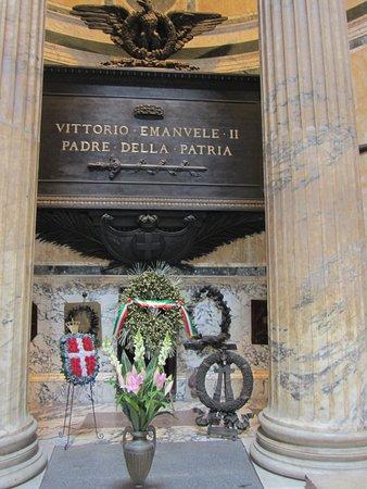 Πάνθεον: Tomba di Vittorio Emanuele II
