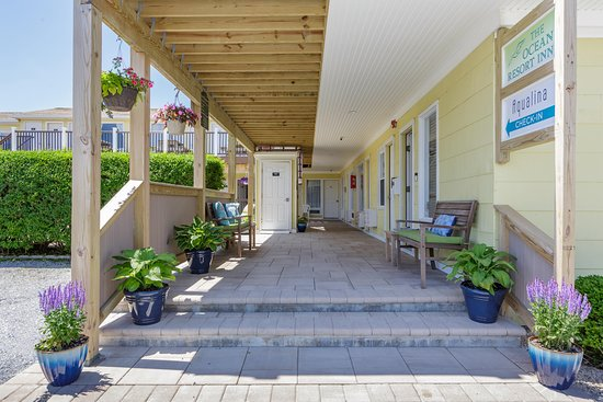 The Ocean Resort Inn: Hotel Entrance