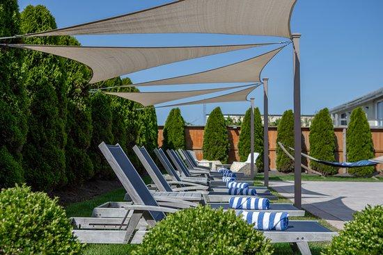 The Ocean Resort Inn: Outdoor Saltwater heated Pool open Memorial Day through Columbus Day
