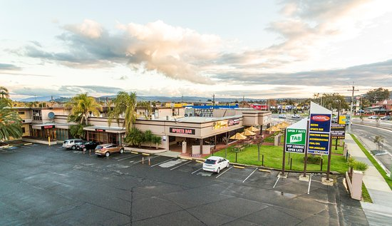 Lavington, ออสเตรเลีย: Hotel Exterior