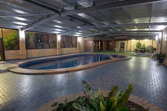 Lavington, ออสเตรเลีย: Indoor Swimming Pool, Hot Tub & Sauna