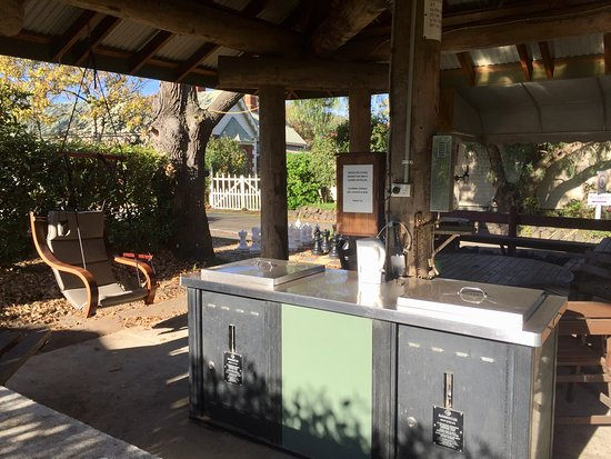 Yarram, Australien: BBQ and outdoor lounge