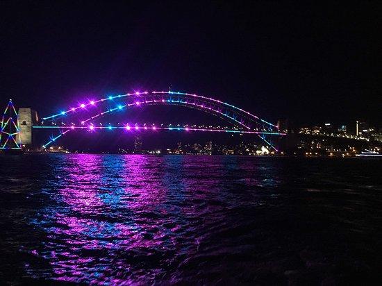 Sydney Event Cruises: Vivid 2019, harbour bridge