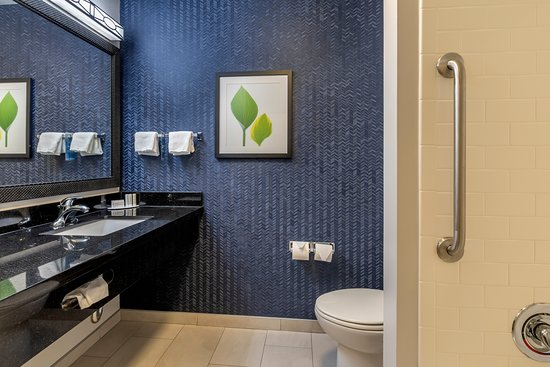 Fully renovated in 2019, Guest bathroom