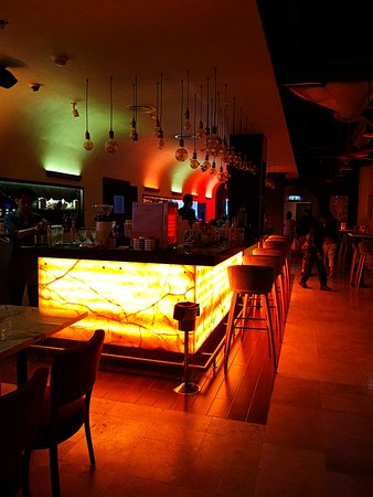 Kim's Singapore Seafood: The Bar