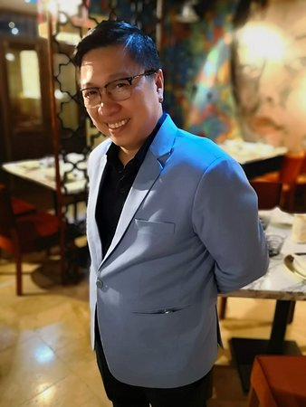 Kim's Singapore Seafood: Vincer Dizon, the man with your culinary plan