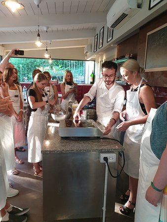 Фотография Pizza and Gelato Cooking Class in Tuscan Farmhouse from Florence