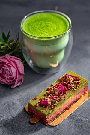 Matcha Latte & Vegan dessert