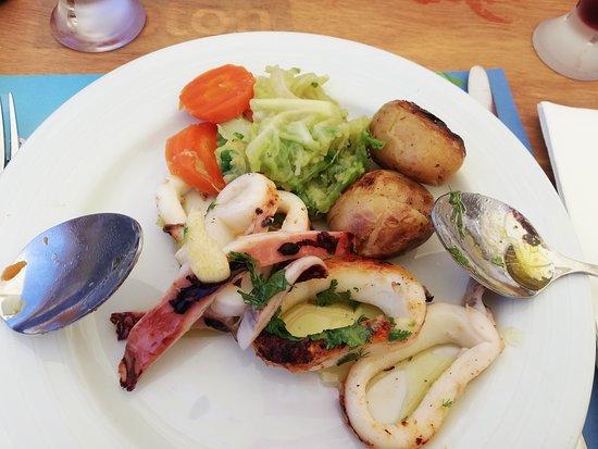 Quinta Da Falca: Lula Grelhada ( 22€) os legumes estavam demasiado cozidos