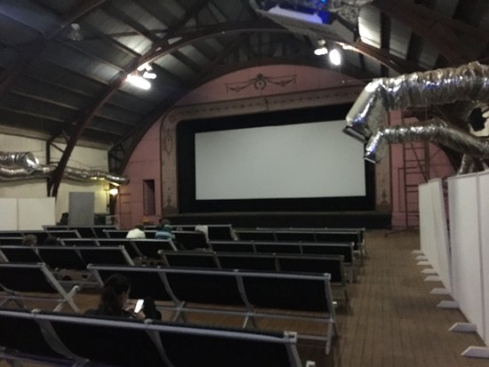 Barcaldine's Radio Theatre is a fantastic little cinema that shows occasional movies - Friday and Sunday when I was there. The cinema uses old-style fabric chairs which are a nice touch, and the candy bar and foyer are also in character with the older style.