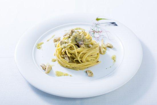 Spaghettine Ricciola e Pesto