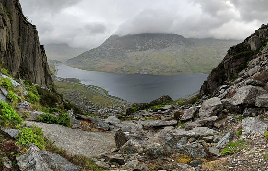 Pont Pen-y-benglog, UK: On the climb to Tryfan