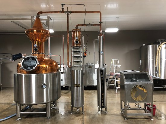 Hermann, MO: Cool distilling equipment.