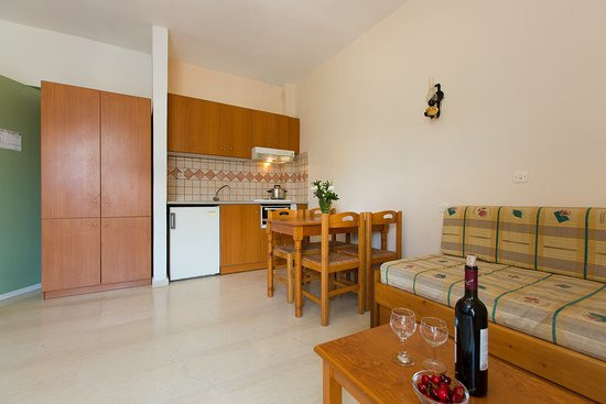 Eltina Hotel: One Bedroom Apartment