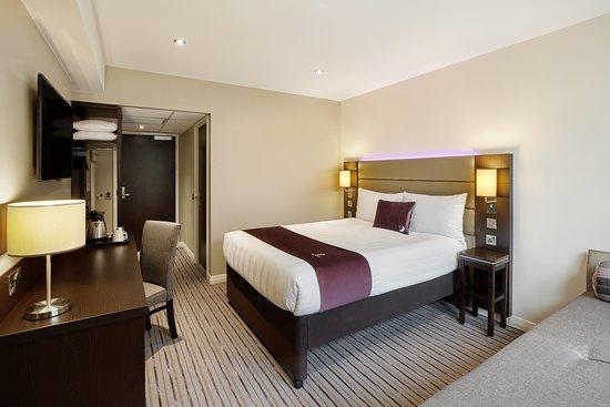 Premier Inn Manchester City Centre Portland Street Hotel: Premier Inn bedroom