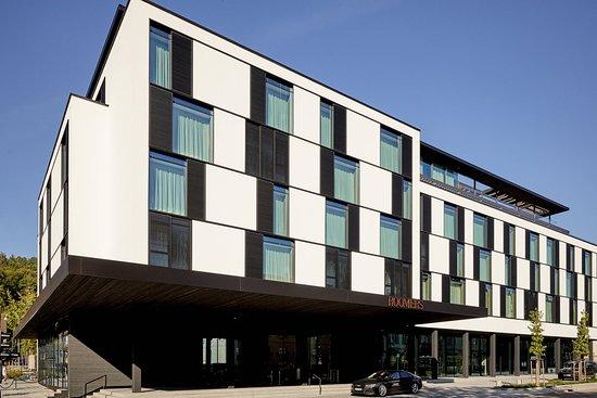 Schönes modernes Hotel mit Abstrichen im SPA Bereich - Roomers Baden ...