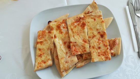 Pizza con formaggio
