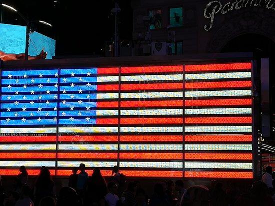 Таймс-сквер иТеатральный квартал: Flag