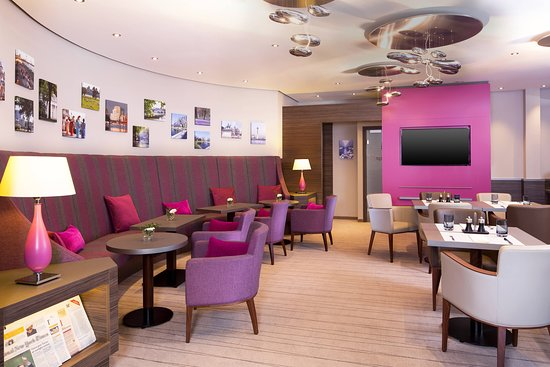 Sheraton Dusseldorf Airport Hotel: Bar/Lounge