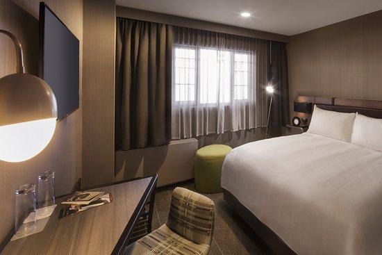 Renaissance Reno Downtown Hotel: Guest room
