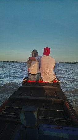 Mekong River Tourist: waiting for the sunset