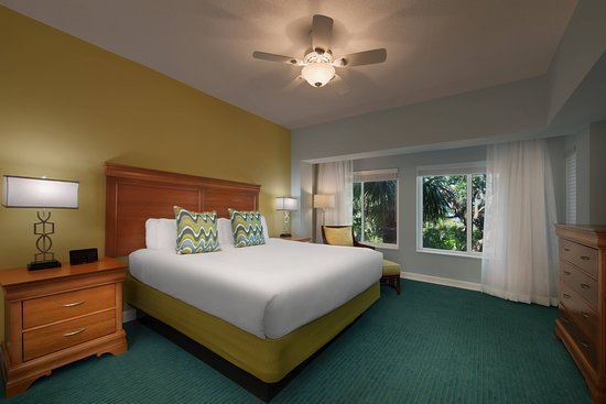 Marriott's Harbour Point and Sunset Pointe at Shelter Cove: Guest room