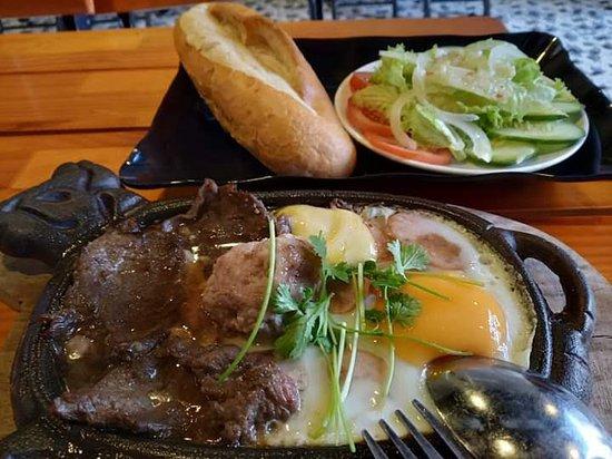 Aloha Lau Nhung Xien Que: breakfast