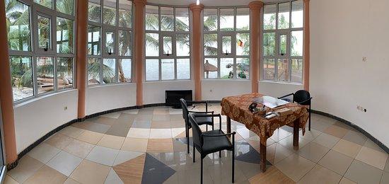 Hotel les Alizes du Lac: Espace de travail privatif avec vue sur le lac