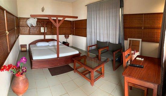 Hotel les Alizes du Lac: Vue chambre