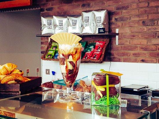 Chocolate sundae