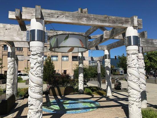 Garden of Surging Waves: Pavilion of Transition