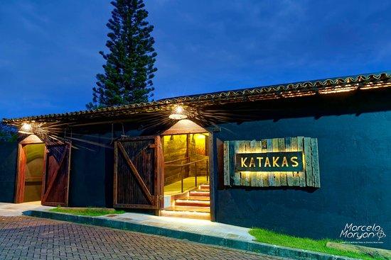 fachada-restaurante-katakas.jpg