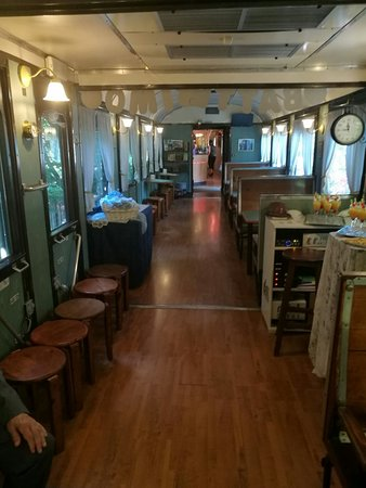 """Voiture Cafe': Battesimo in """"carrozza"""""""